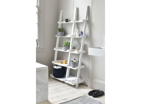 White-MDF-Leaning-Shelves-in-bathroom-wide-and-narrow