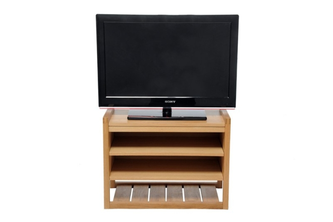 Oak Hall Bench Head On As Tv Stand