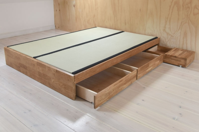 Oak Platform Storage bed frame with Tatami Mats and Drawers Open