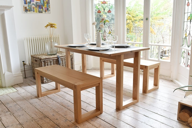 Console table as dining table