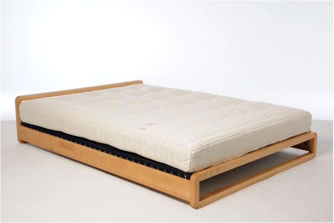 Loop Bed With Mats And Mattress